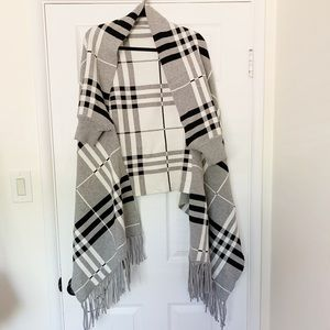 Reversible Poncho with Sleeves